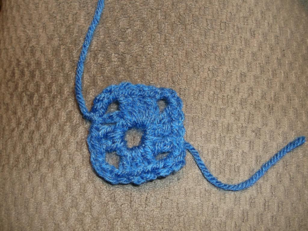 Basic Granny Square Tutorial-dscf0676.jpg